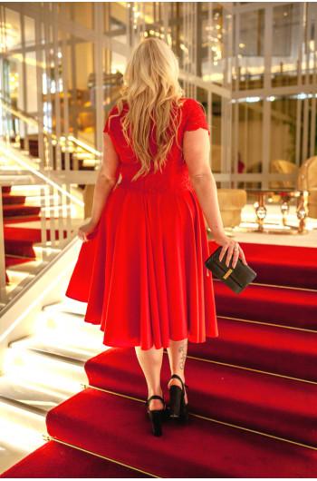 Fantastyczna sukienka Plus Size Q-06 czerwona, koronkowa
