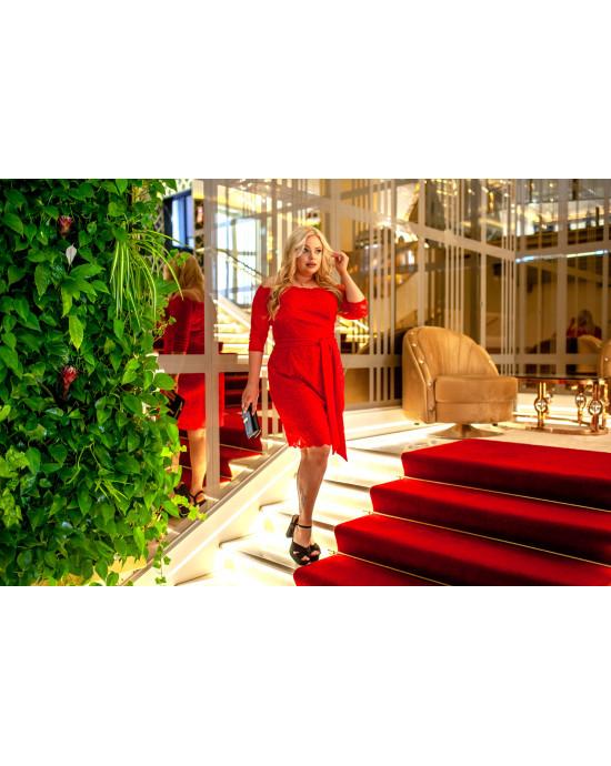 Q-08 Wyjątkowa sukienka koronkowa, czerwona