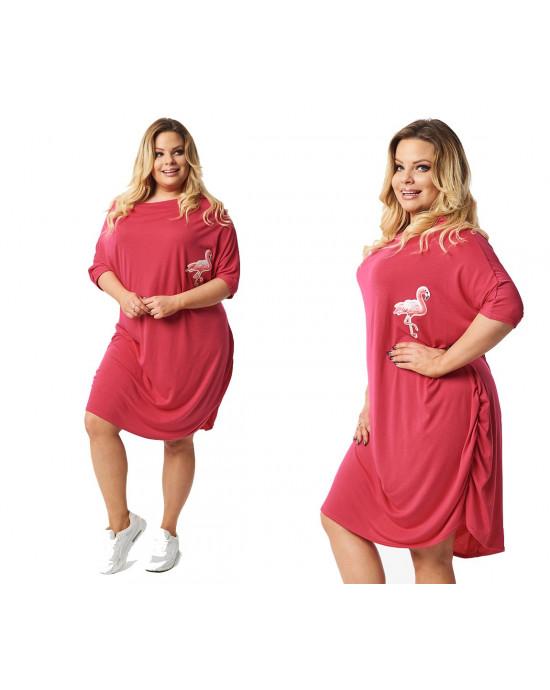 Różowa PLUS SIZE sukienka z ozdobnym flamingem S-39