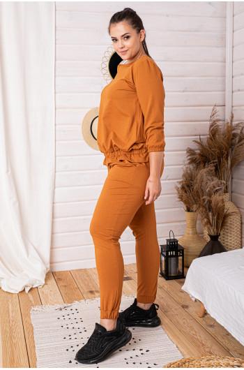 D-07 dres z bluzą z falbanką w kolorze camel