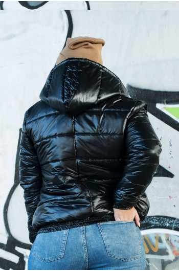 Czarna kurtka pikowana puchowa zimowa z kapturem k-16