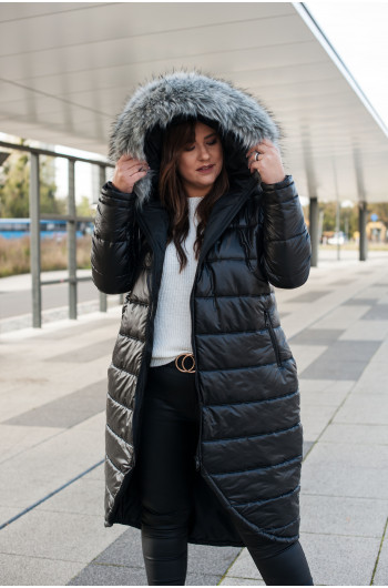 Czarna kurtka zimowa z kapturem i futerkiem kz-01