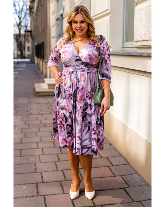 Elegancka i kusząca sukienka S-44 wiosenna